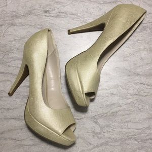 APT.9 size 10 tan heels, open-toe, metallic finish